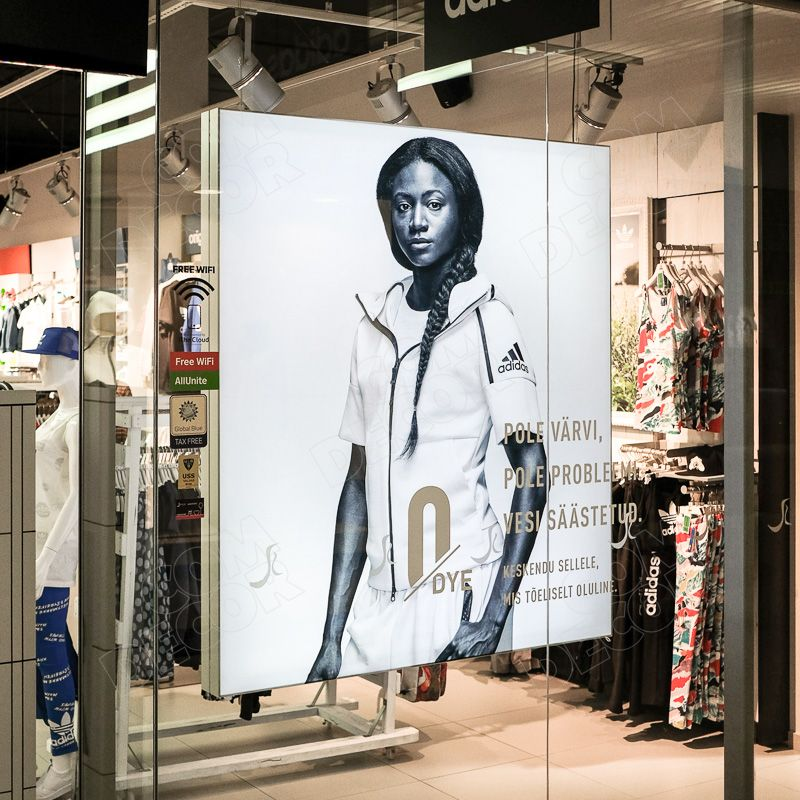 Lightbox / illuminated advertising in a shop window