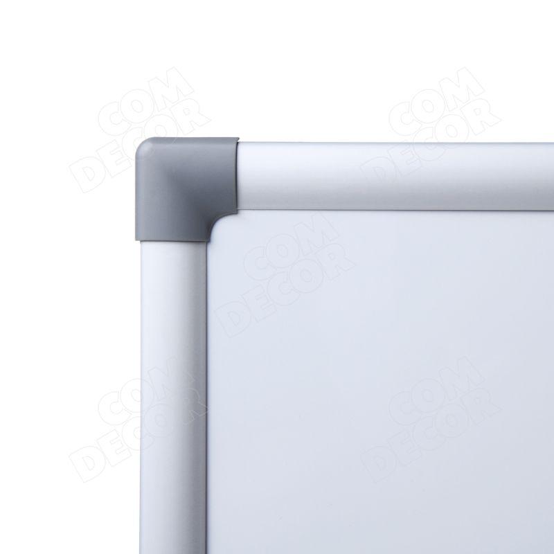 Whiteboard / magnetic board